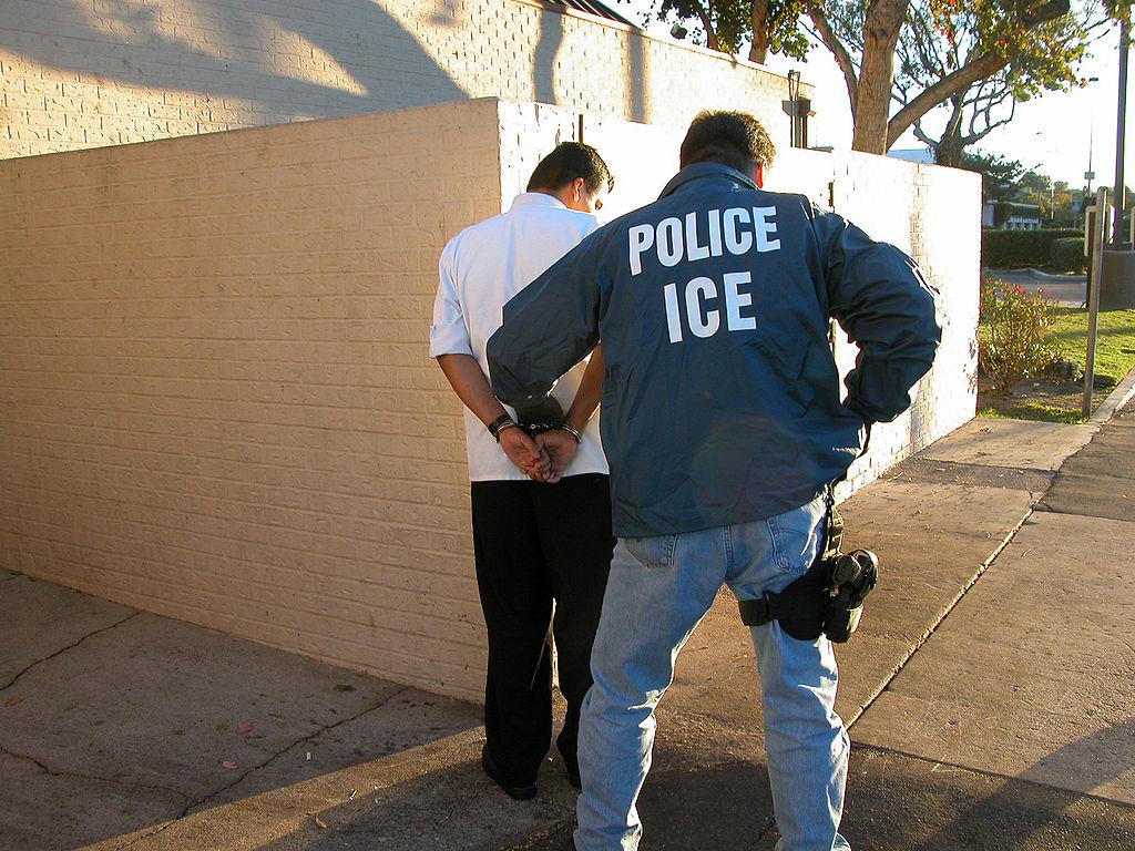 Temores de Deportación Bajan Asistencia a la Iglesia Hispana